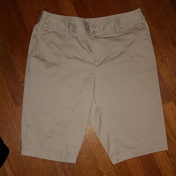 adc60d8737 A.n.a Double Buttoned Bermuda Khaki Shorts